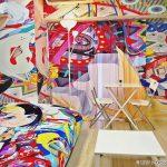 株式会社SO-ZO様 タカハシヒロユキ先生イラスト「痛部屋」ゲストハウスを公開
